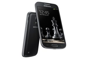 Samsung Galaxy S4 Black Edition-3
